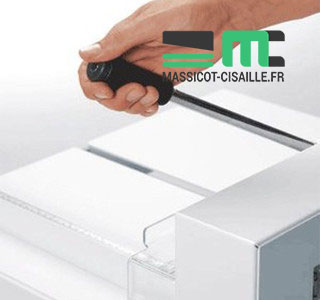 Massicot Manuel Ideal 4305 sur Stand